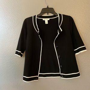 Beautiful White House Black Market sweater shirt